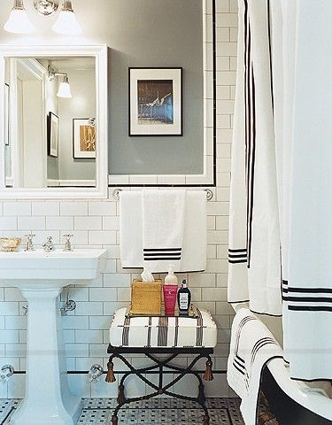 Black and white tailored #bathroom // #masculine