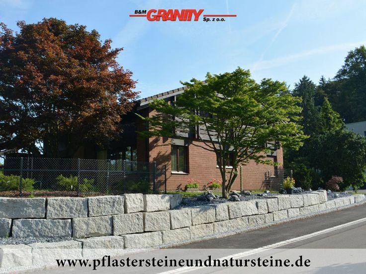 """Firma B&M GRANITY – diverse Erzeugnisse aus polnischem Granit """"Salz und Pfeffer"""" (Schlesien)…Dieses Material ist frostbeständig und hat ein sehr breites Anwendungsspektrum. http://www.pflastersteineundnatursteine.de/fotogalerie/mauersteine/"""