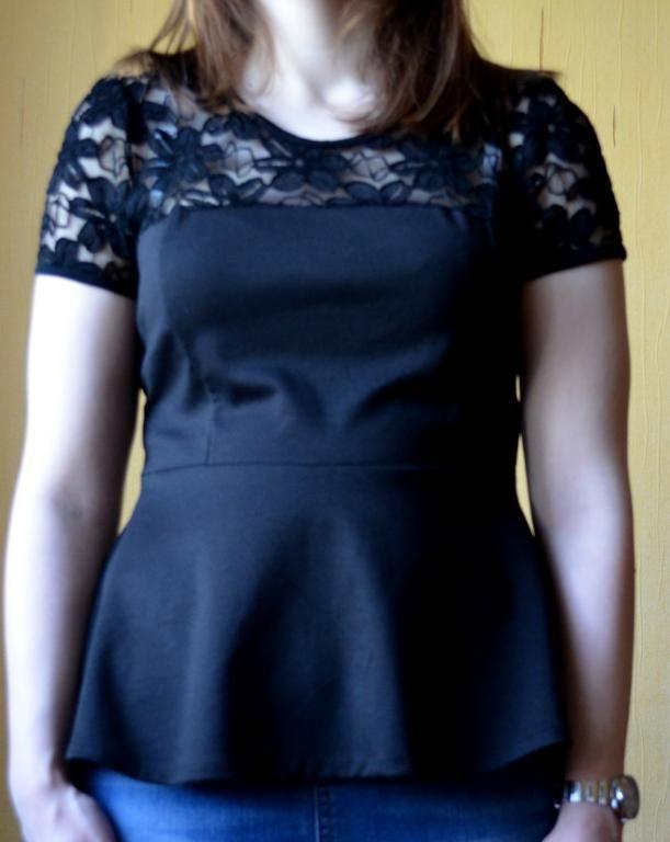 czarna bluzeczka z baskinką rozmiar uniwersalny