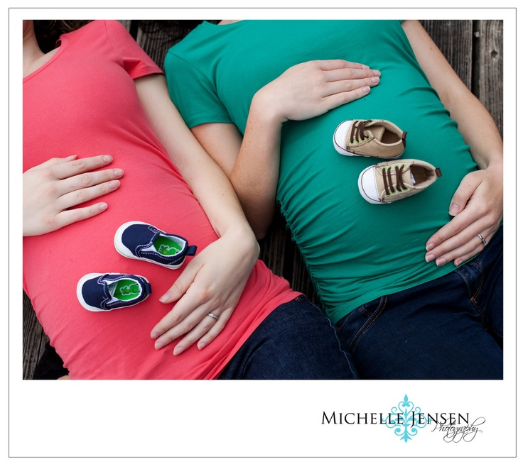 Sisters maternity photo. I want to do this... KATIE!!!!