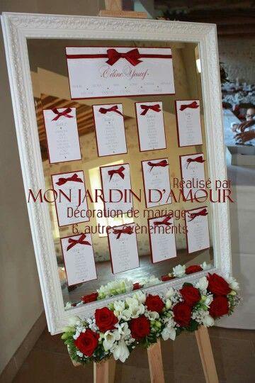Plan de table sur miroir blanc et rouge bordeaux par Mon Jardin d'Amour