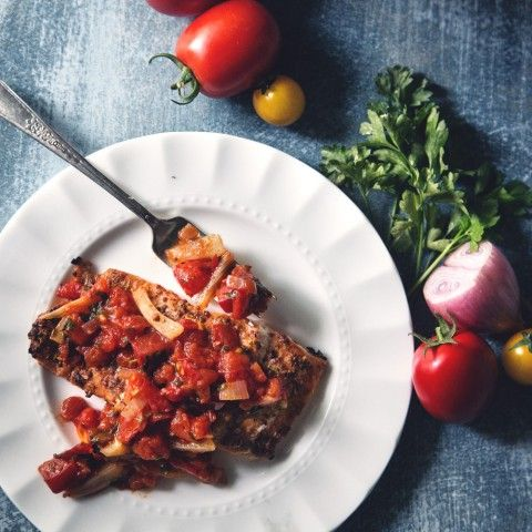Salmon with Spanish Salsa a bright, summery and healthy weekend dish that's so easy to make!