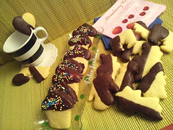 Se provate questi biscotti non li lascerete più. Il gusto del biscotto con il sapore del cioccolato una bontà. Sembrano i biscotti che si comprano, quelli