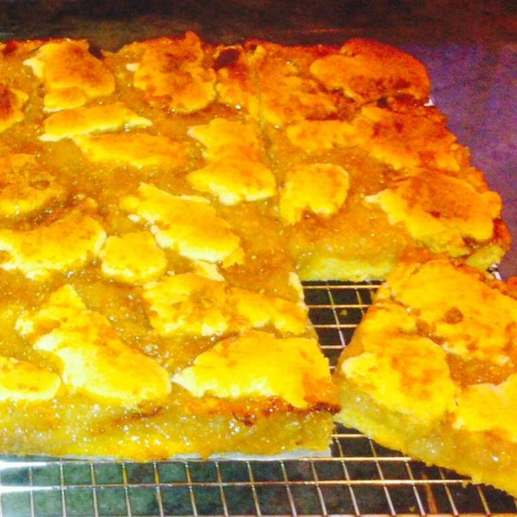 Recipe Feijoa, Pear and Ginger Short Cake by Elizabeth Gailer - Recipe of category Desserts & sweets