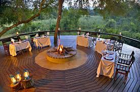Dining in style under the stars