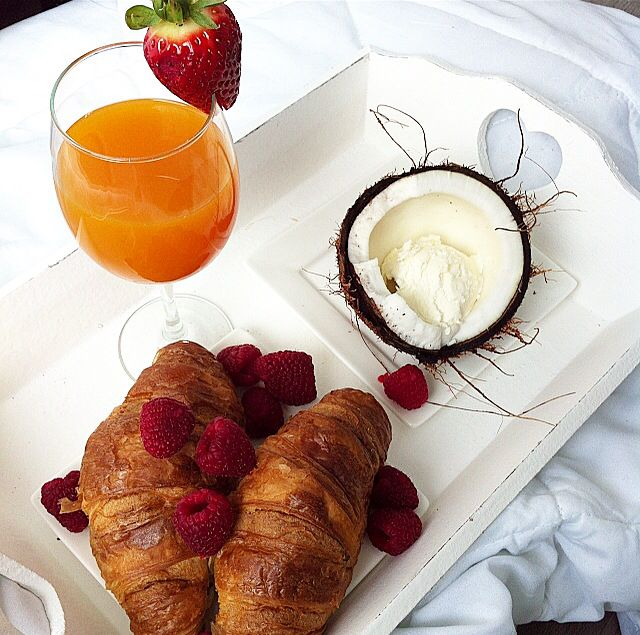 #croissant #coconut #icecream #mymorning #breakfastinbed
