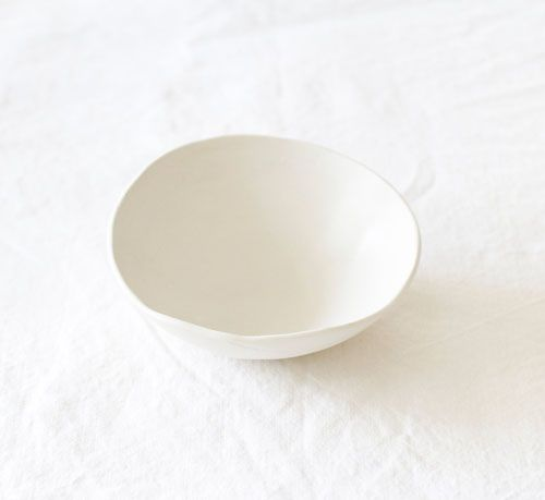 Handmade white ceramic bowl | by Lookslikewhite ceramics | Loving the everyday white base | STIL INSPIRATION Great.Ly Boutique #InstantGreatlyMakeover