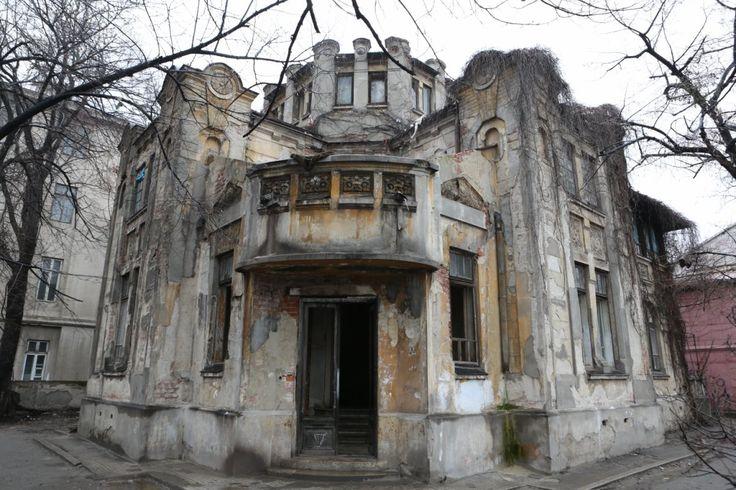"""""""La cererea publicului: Casa din intersectia Vasile Parvan cu Splaiul…"""
