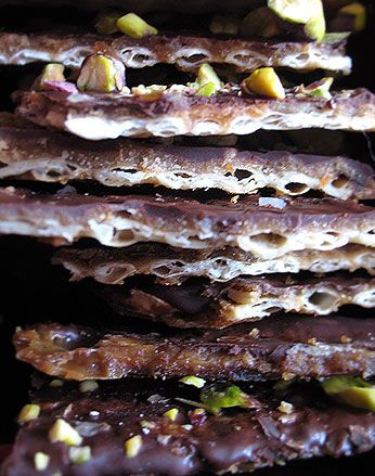 toffee matzo for Passover...not healthy but looks yummy!