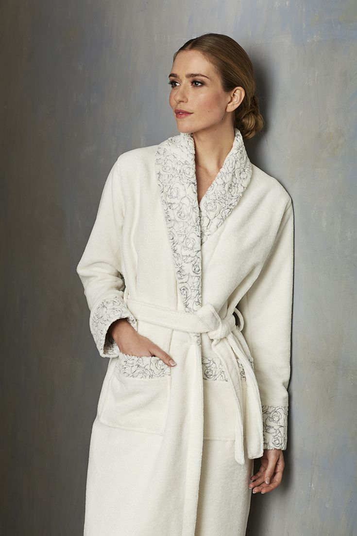 Pastunette Deluxe  'Soft Blue Rose' ivory fleece morning gown with matching shawl collar, cuffs and pockets