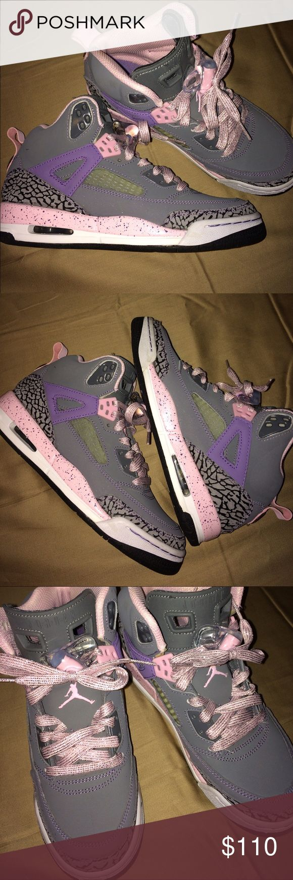 Authentic Jordan Spizike's EUC. Only worn twice. Very excellent deal on these shoes that are very expensive!! Great, great buy and very cute colors!! 🔥🔥 Jordan Shoes Sneakers