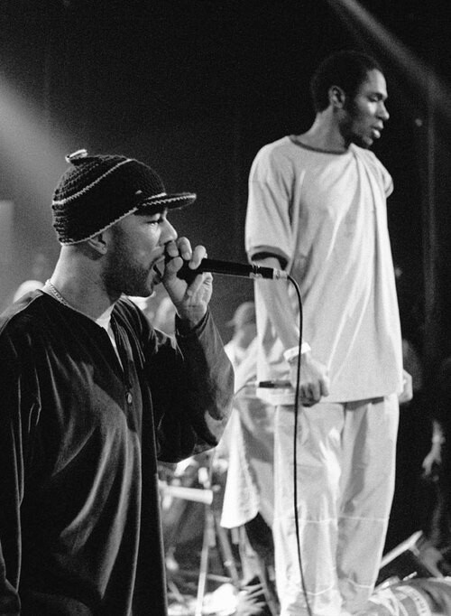 Common and Mos Def on stage - Hip Hop Head