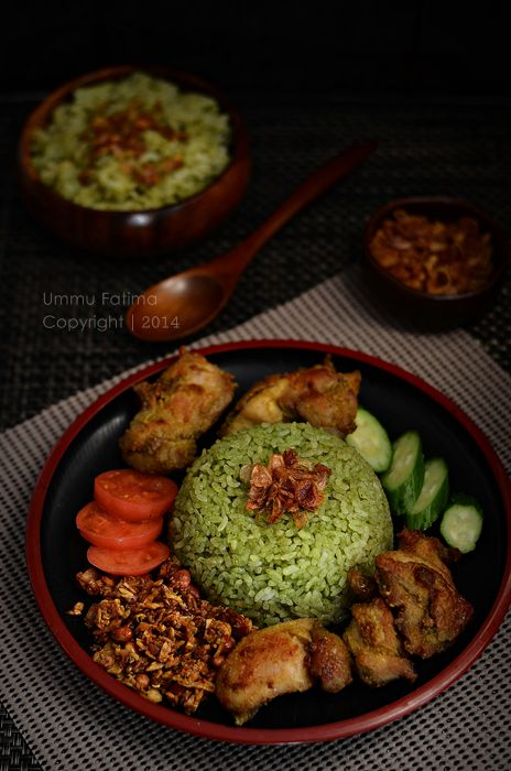 Simply Cooking and Baking...: IDFB Challenge#14 : Nasi Uduk Bayam