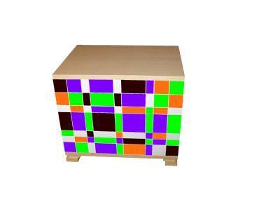 Kast: weerskanten zijdelings open t.b.v. berging, frontpanelen met kleurvariaties. Vaste blokelementen 50 / 100 cm breed x 40 cm diep x 16,5 / 34,5 cm hoog, blokelementen los stapelbaar, het systeem heeft een unieke klik- verbinding, waarvoor er geen gereedschap bij nodig is en is zo samengesteld dat men het meubel individueel kan indelen. Materiaal: van populieren multiplex, 3 x afgewerkt met water dragende lak.    Privé Adres: Valeriaan 55     3401LD IJsselstein Design: Koos van Huisstede