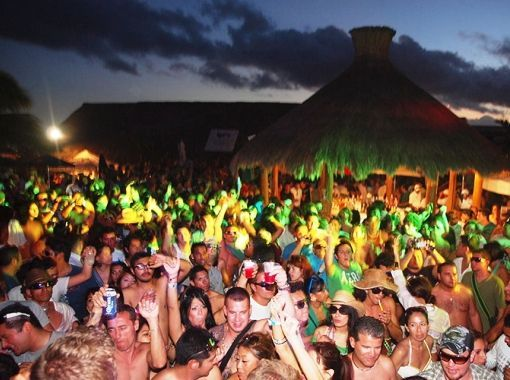 Young and wild New Year's Eve in Playa del Carmen
