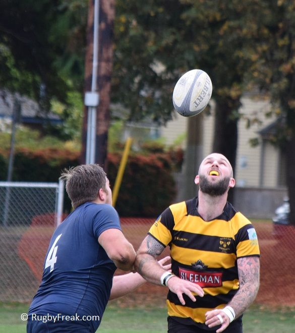 BC Premier League rugby player waits for the ball to drop in front of him. #rugbyfreak #sofreaky #loverugby #bcrugby #rugby #JBAA