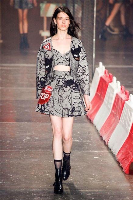 Ellus 2nd Floor - ensemble brassière jupe patineuse et veste grise à motif noir