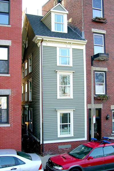 """The Skinny House in Boston's North End was built as a """"spite house"""" during a family feud and is the narrowest house in Boston."""