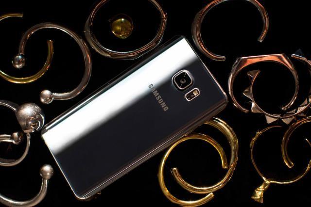 En el siguiente artículo te digo en qué supera el #SamsungGalaxyNote5 al #GalaxyNote4. Dos de los mejores celulares del mercado actualmente.
