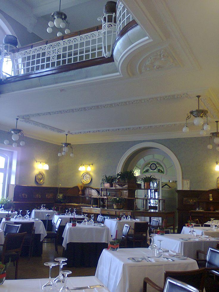 Sala de refeições do grande hotel da Curia, Portugal
