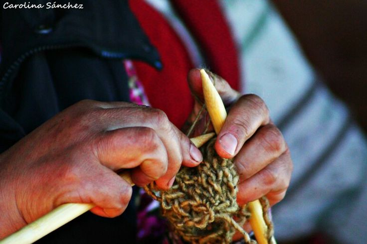 Manos tejedoras -  Achao