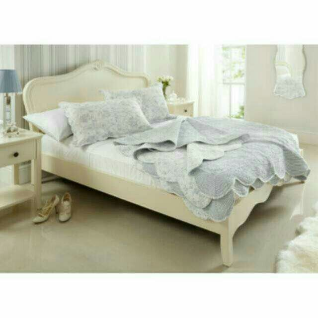 tempat tidur duco