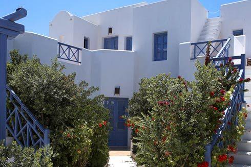 Meltemi Suites, Perissa – Santorini, Cyclades, Greece.