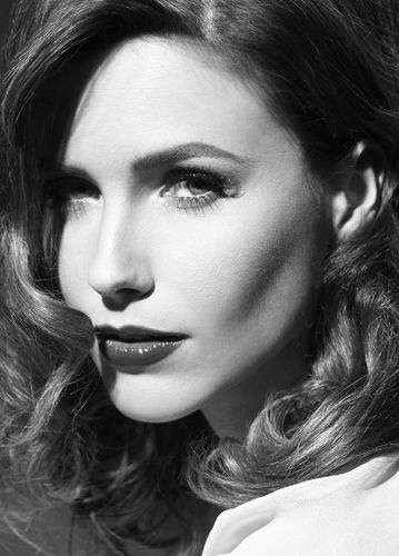 Sophia Bush - I mean really! Could she be more beautiful?! I don't think so!