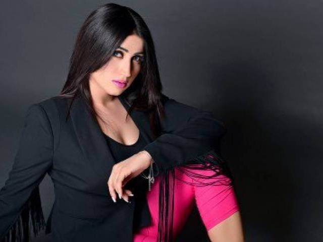 The tragic story of Qandeel Baloch. Honour Killings still exist in Pakistan! OMG!