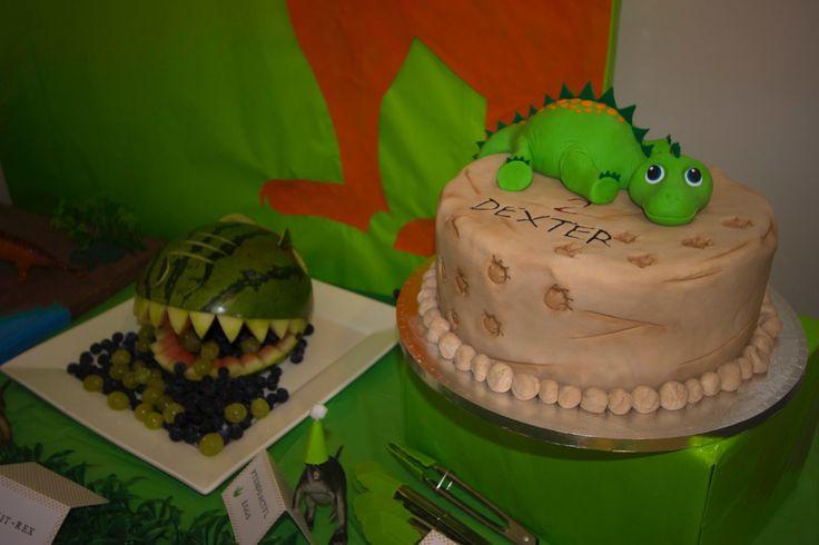 Dinosaur party - cake and watermelon dino