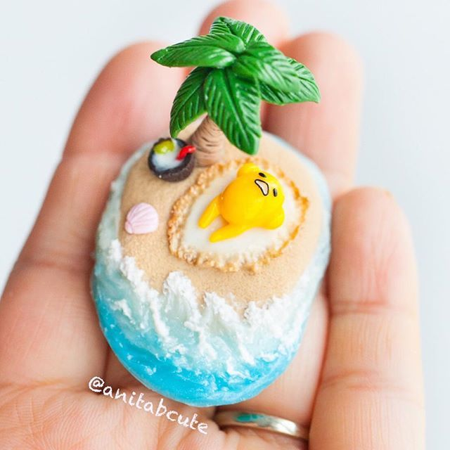 This rain is making me want to escape to a tropical island, just like Gudetama, sunny side up on this sandy beach with blue waves lapping at his little yellow feet! ❤❤ . . . #handmade #handcrafted #oneofakind #ooak #polymerclay #fimo #clay #cute #kawaii #miniature #gudetama #egg #sunnysideup #tropical #beach #springbreak #palmtrees #sandy #blueocean #diy #craft #crafts #thisisthelife #sanrio #anitabcute #coconut #coconuttree