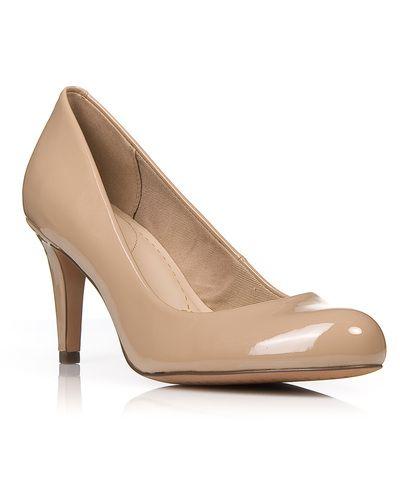 Clarks   Clarks γυναικεία παπούτσια Γυναικείες γόβες Διαθέσιμα χρώματα: μπεζ λουστρίνι, ασημί, μπλε και μαύρο δέρμα, μαύρο λουστρίνι, μωβ λουστρίνι Με τακούνι ύψους 7 εκ. D fit