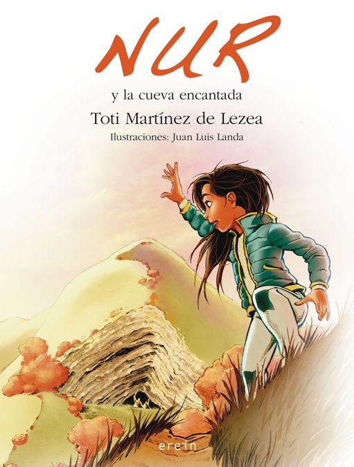 """MARTÍNEZ DE LEZEA, Toti. """"Nur y la cueva encantada"""" (Berdea) (2014/10/13) ¿Existen los duendes? ¿Se puede estar en el interior de un árbol? Nur y sus amigas Iraia y Maddi se internan en la selva de hayas de Irati. Están en plena naturaleza y allí, Nur, se encontrará con Koldo, el duende-guía; Basajaun y Basandere, el señor y la señora del bosque; Anxo, el gigante que vive en la cueva de Arpea; Hodeia, la lamia que se peina con un cepillo de oro..."""