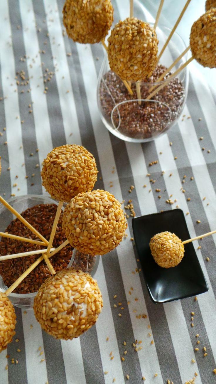 Sucettes Kiri & sésame, à tester de toute urgence à l'apéro :) #kiri #recette #sucette #cream #cheese #sesame #fromage #apero #kids #food #recipe