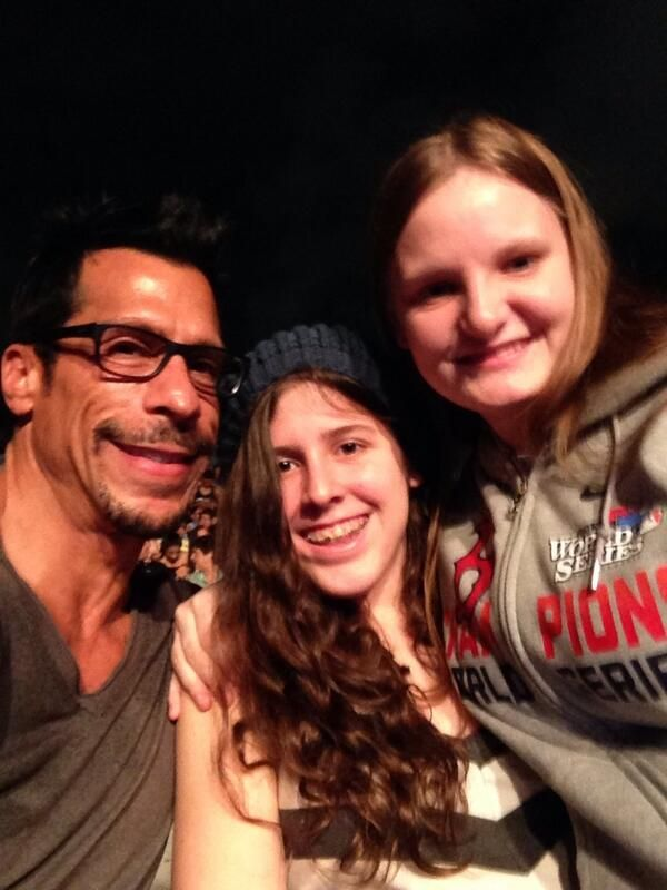 Danny Wood and his daugthers Chance and Vega