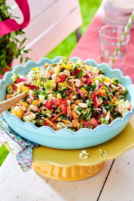 Gehackter Salat auf mediterrane Art