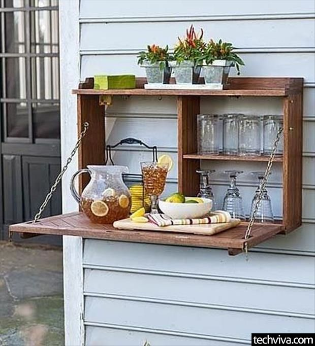 Outdoor Flip-Down Sideboard - http://99covers.com/blog/simple-ideas-that-are-simply-genius-part-15/
