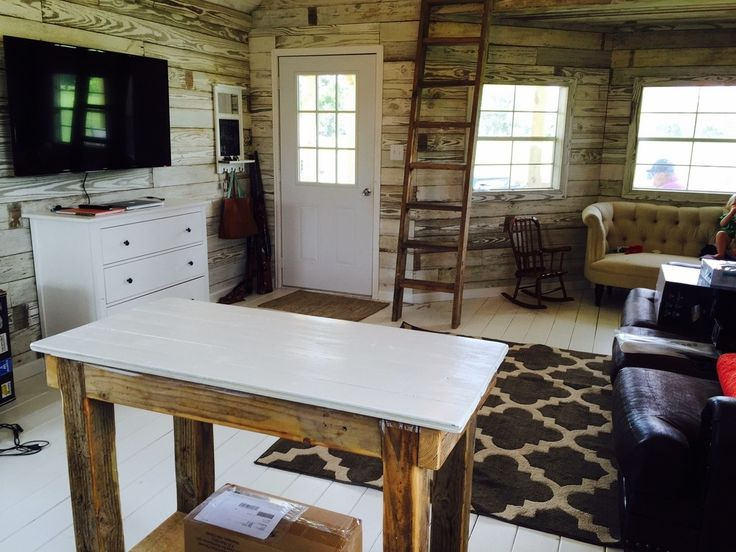 Conroe Tiny House  must be moved by a mobile home or house mover. 25  beautiful House movers ideas on Pinterest   House warming