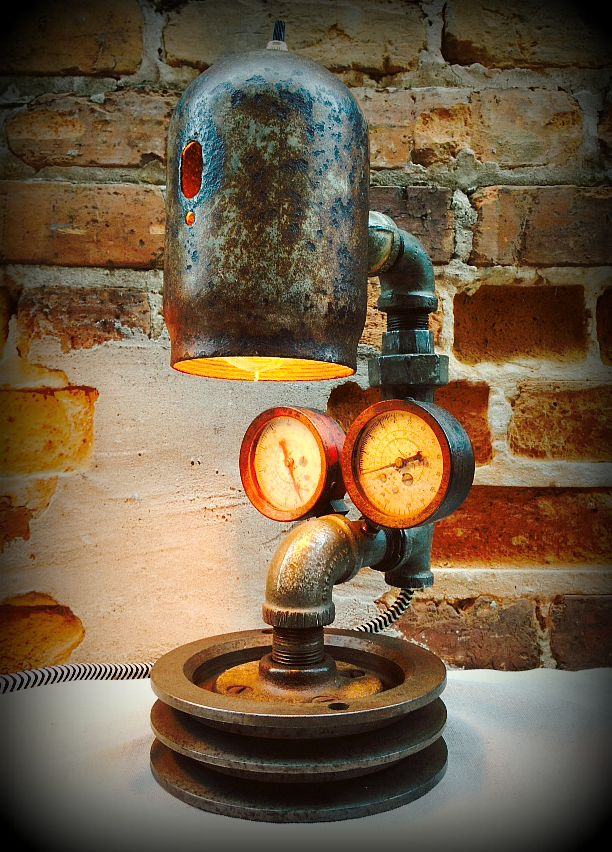 Clever reuse of abandoned parts from an old workshop!