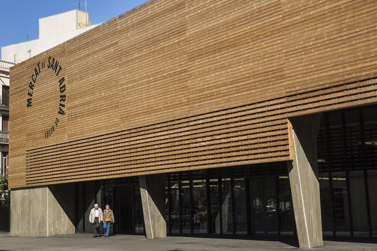 Mercat Barcelona. Architects Maria Manrique and Gisela Planas. Photography © Pere Virgili #lunawood #thermowood