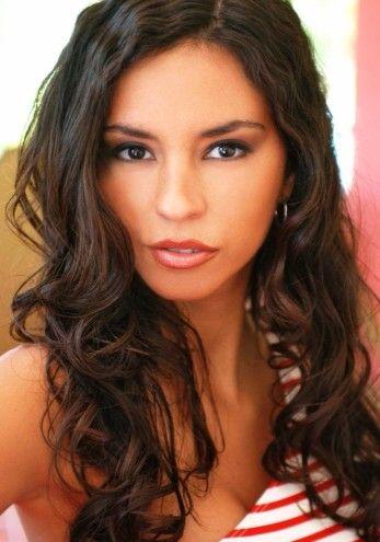 Black latina mindy main | XXX foto)