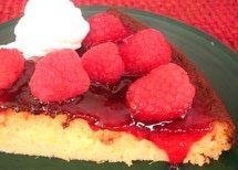 El pay o pastel de elote es riquísimo solo o con fruta y crema batida encima.
