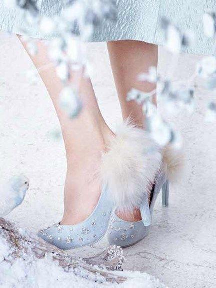冬のウェディングで使いたいファー付きパンプス♡ 真冬のウェディングのアイデア。結婚式/ブライダルの参考に☆