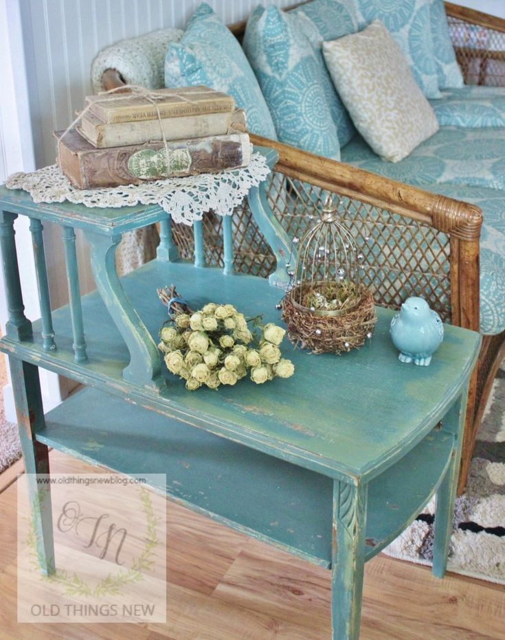 Love the layered color. MMS Vintage Side Table