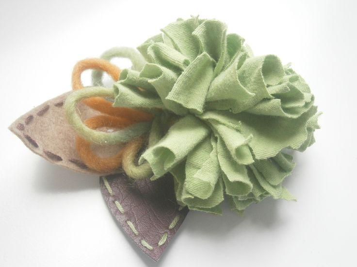 brooche-Green cloth flower