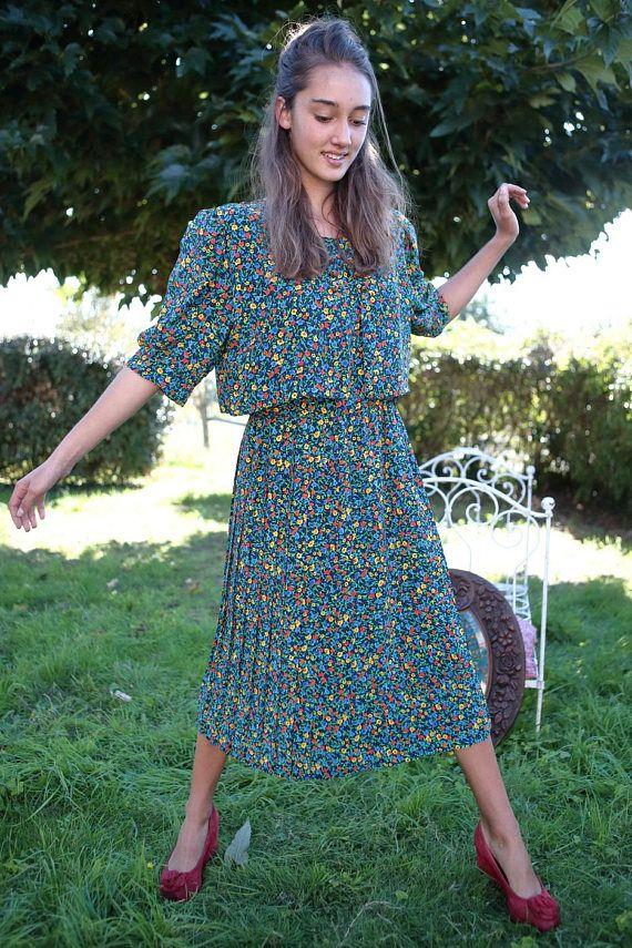 Robe vintage années 70 taille 38/40 motif fleuri et coloré