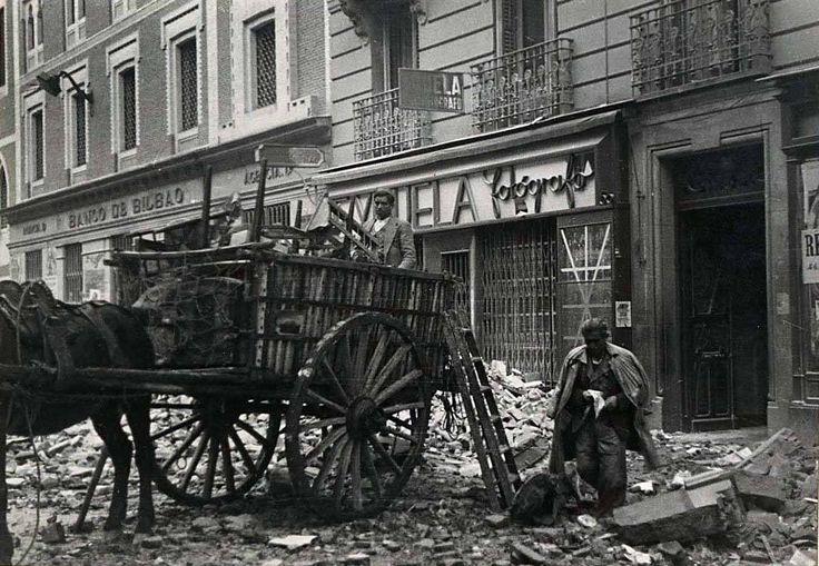Madrid, después de un bombardeo.