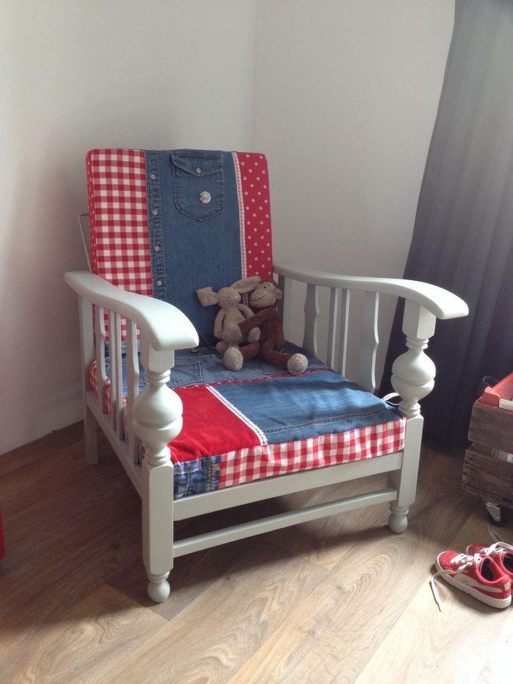 Rookstoel met nieuwe kussens gemaakt door Mazzelstof