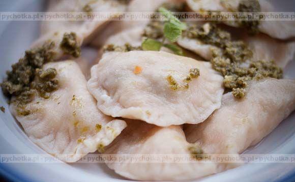 Pierogi z kurczakiem i brokułami