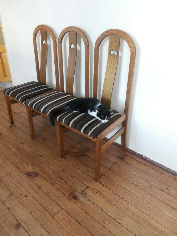 Tapizando sillas :(
